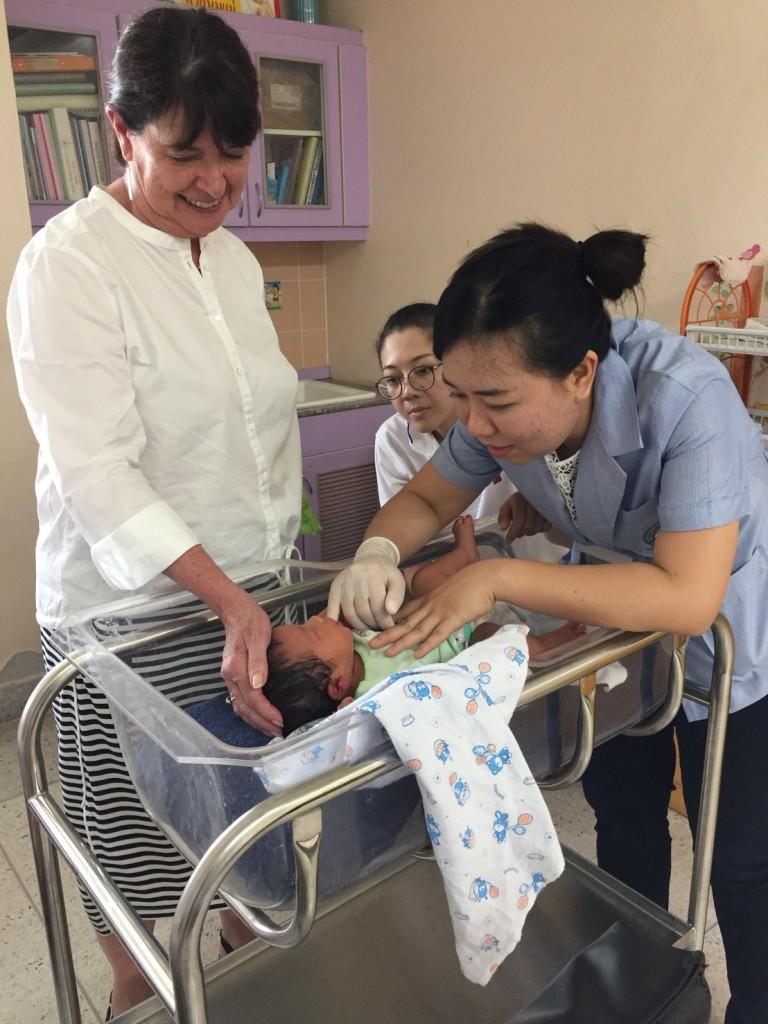 6. NNNS training at Chom Tong Hospital